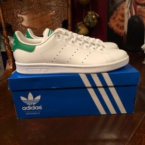 NEW WOMEN'S Adidas Stan Smith
